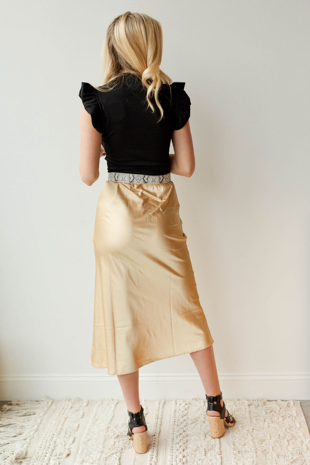 mode, over here midi skirt