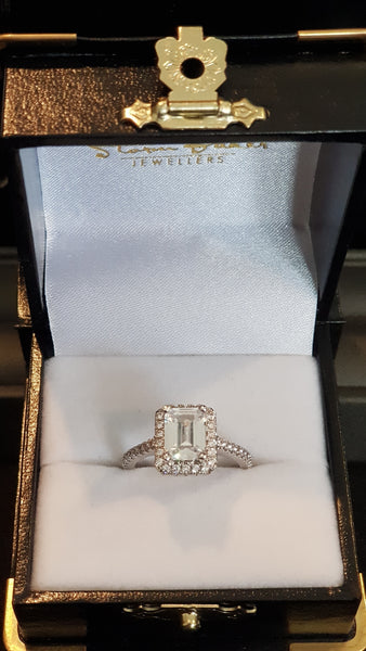 Beauty Emerald Cut - Gold