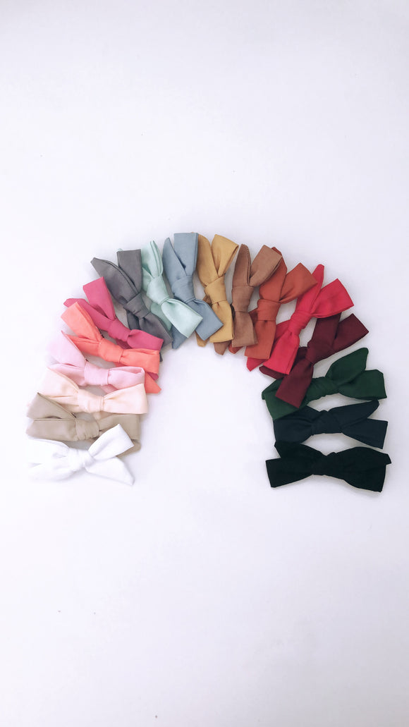 Single Solid Color Mini Hand Tied Baby Bow
