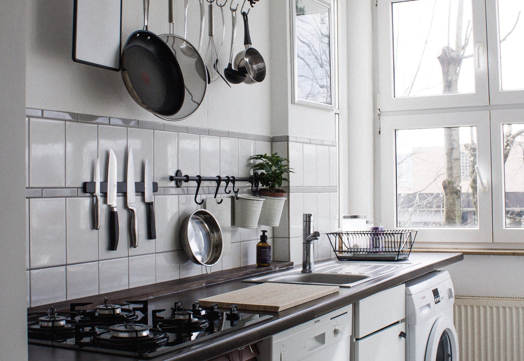 Why Every Kitchen Needs a Magnetic Knife Rack