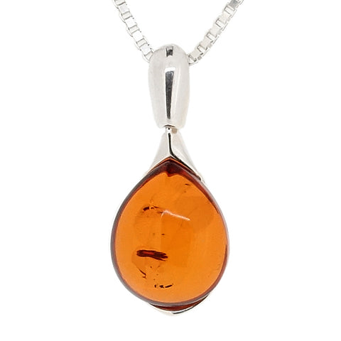 Amber pear-shaped pendant and chain in silver