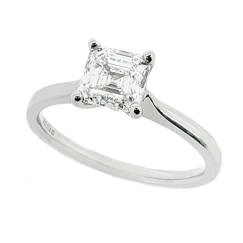 Asscher cut diamond solitaire ring in platinum, 1.03ct
