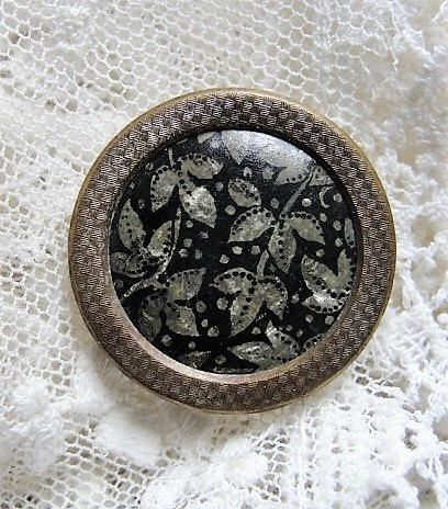 Antique Victorian THREAD BACK Button Lovely Design For Your Button Collection Collectible Buttons Button Collector