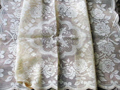 BEAUTIFUL Vintage Lace Table or Dresser Runner Scalloped Scarf Ivory Lace Roses Farmhouse Decor Wedding Bridal Vintage Linens Lover Gift