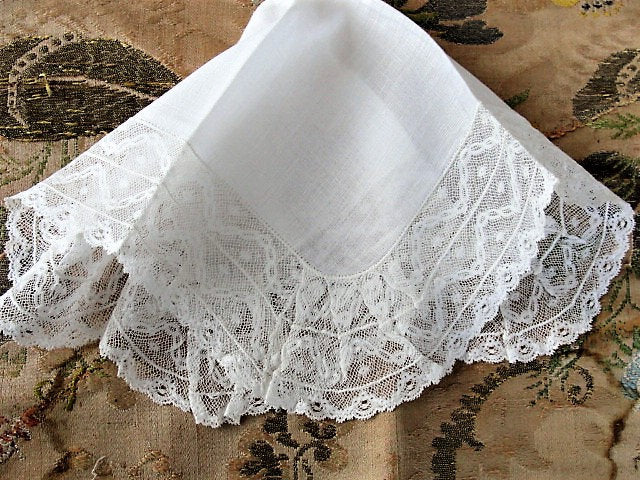 ANTIQUE French BRIDAL WEDDING Handkerchief ,Fine Linen, Gorgeous Wide Lace Hankie, Special Bridal Hanky, Collectible Antique Hankies