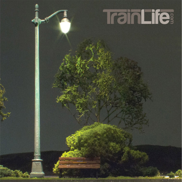 O Scale: Just Plug® Arched Cast Iron Street Lights
