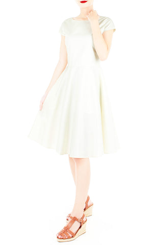 products/Classic_Weekender_Flare_Tea_Dress_Vanilla-2.jpg