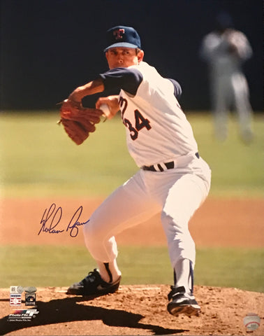 Nolan Ryan Autographed 16x20 Photo (Pitching)