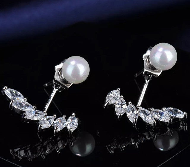 Pearl and hanging crystals earrings