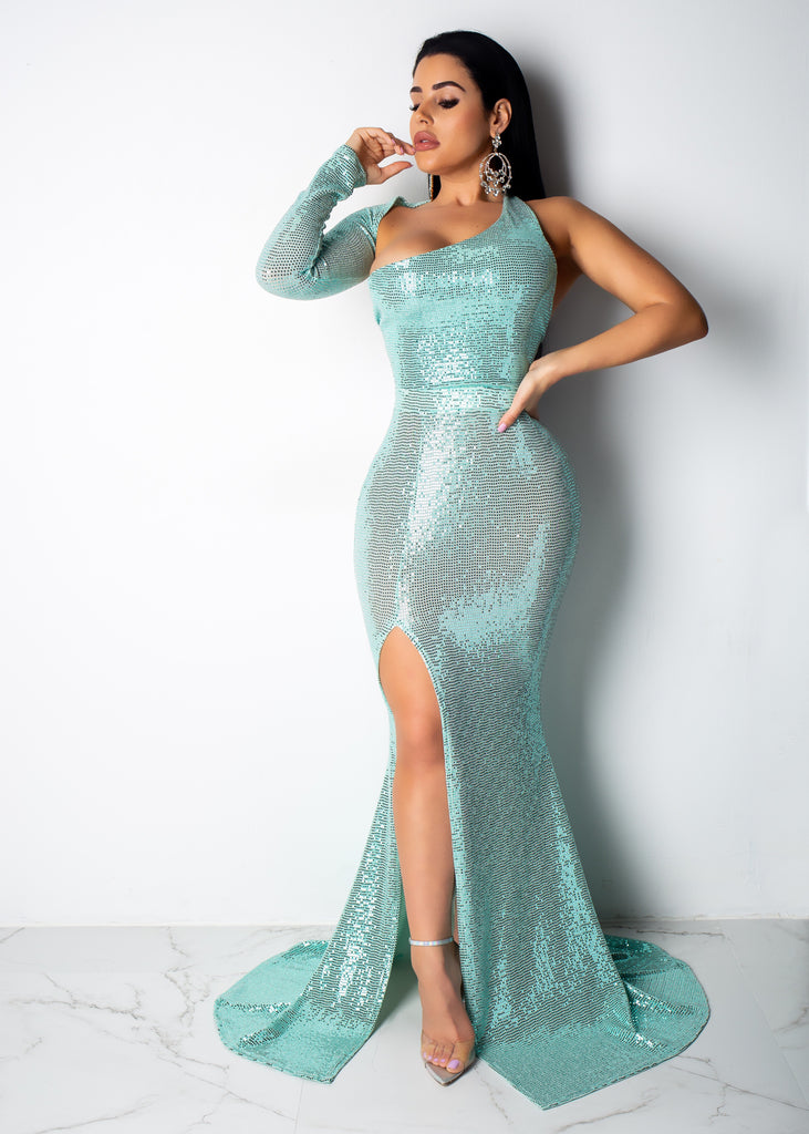 Watch Me Flow Metallic One Sleeve Gown