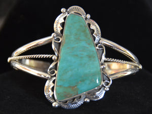 Native American Jewelry : Sterling Silver with Turquoise Bracelet : Navajo : Lionel Calladitto : NAJ-63 - Getzwiller's Nizhoni Ranch Gallery