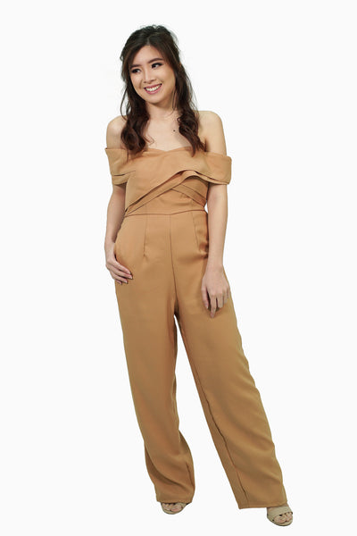 Brown jumpsuit with layering cloth