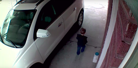 A Toddler is Caught and Saved by Mom Thanks to Blink