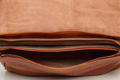 Helsinki Tan - Leather Laptop Messenger