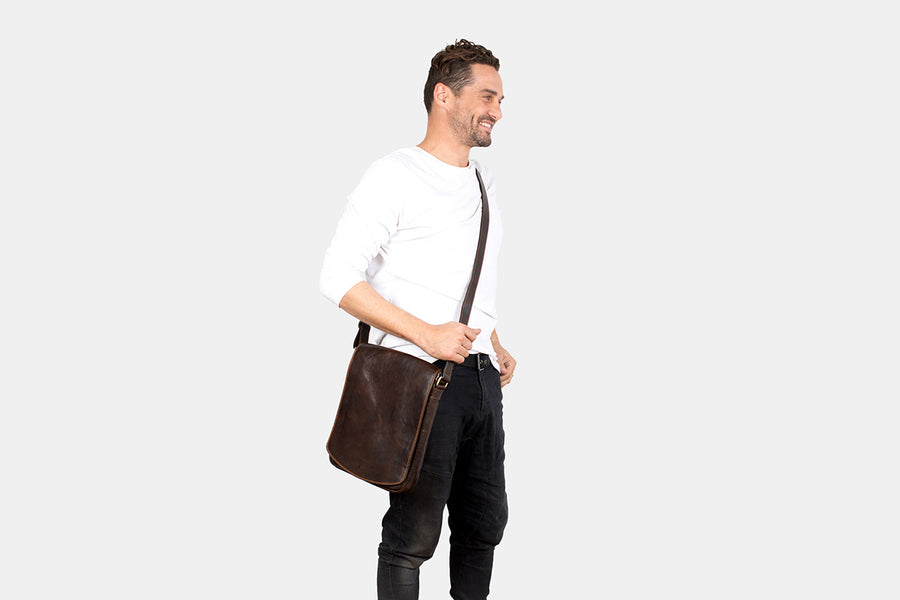 Dublin XL Chocolate - Leather Messenger Bag