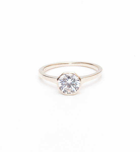 Allium Octad Diamond Ring with Notch
