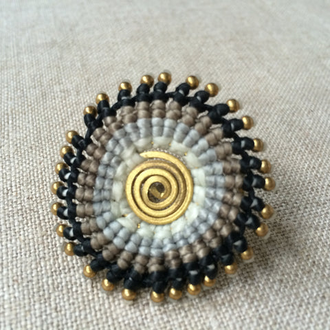 RING ETHNIC BLACK AND GREY/BAGUE ETHNIC