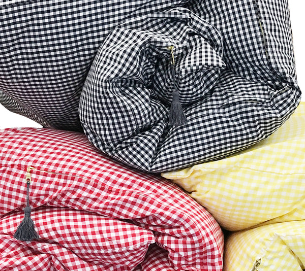 Gingham Throwbed in Black | Hedgehouse