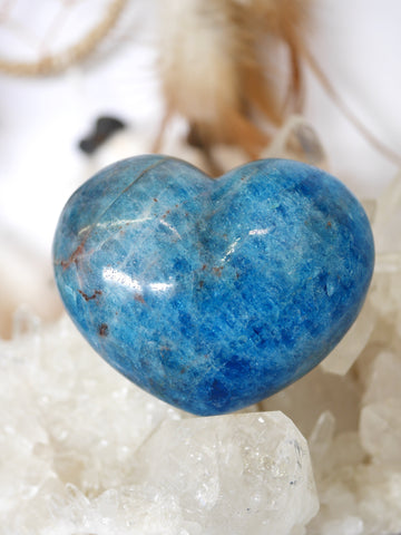 Apatite Heart Carving