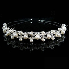 Bridal Hair Accessories: Pearl Hairband