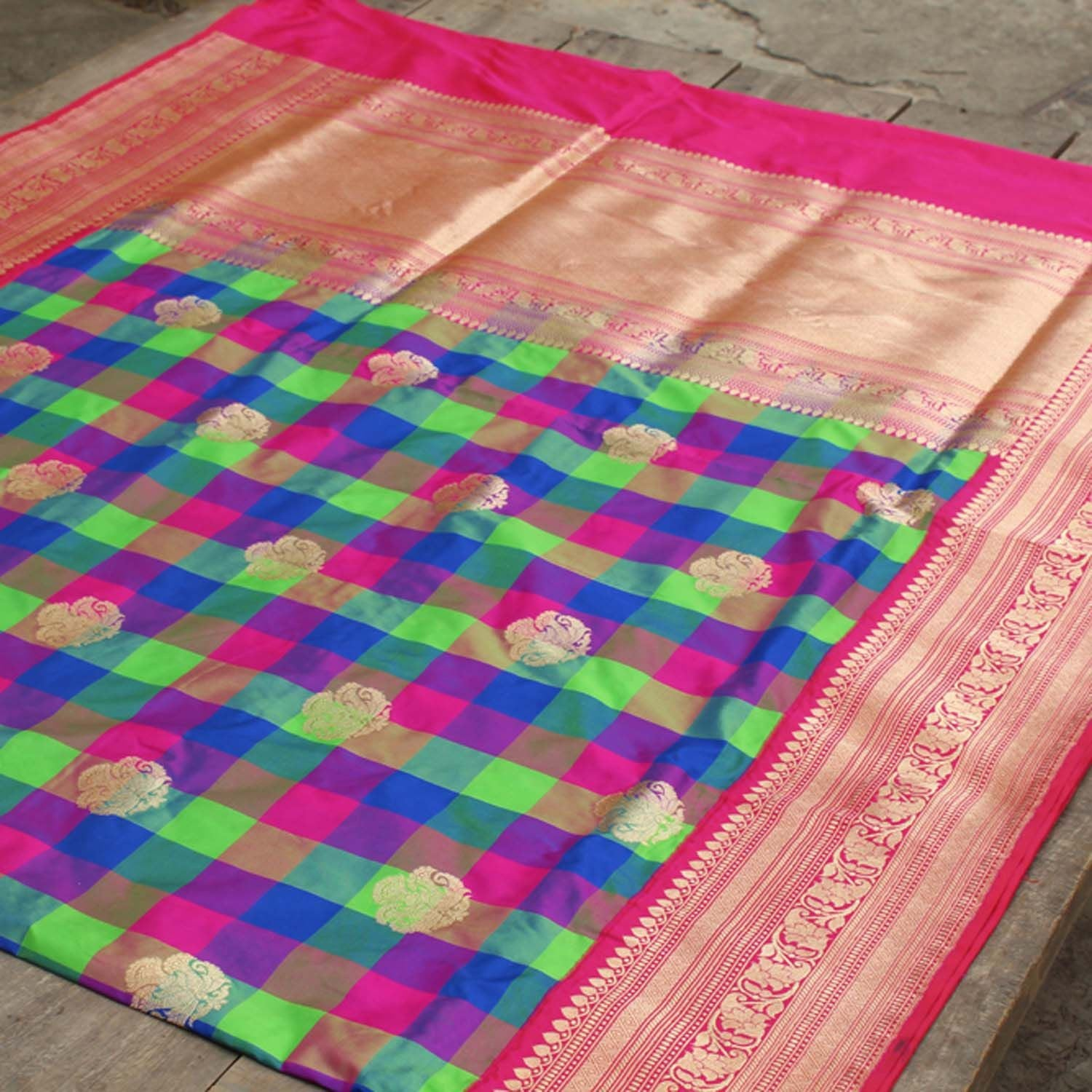 Checkered Pure Katan Silk Handloom Banarasi Saree - Tilfi - 2
