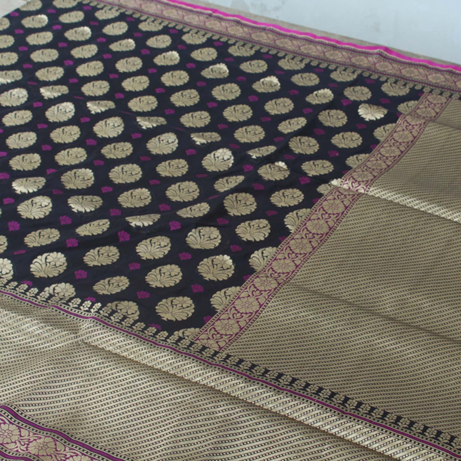 Black Pure Silk Georgette Banarasi Handloom Saree - Tilfi