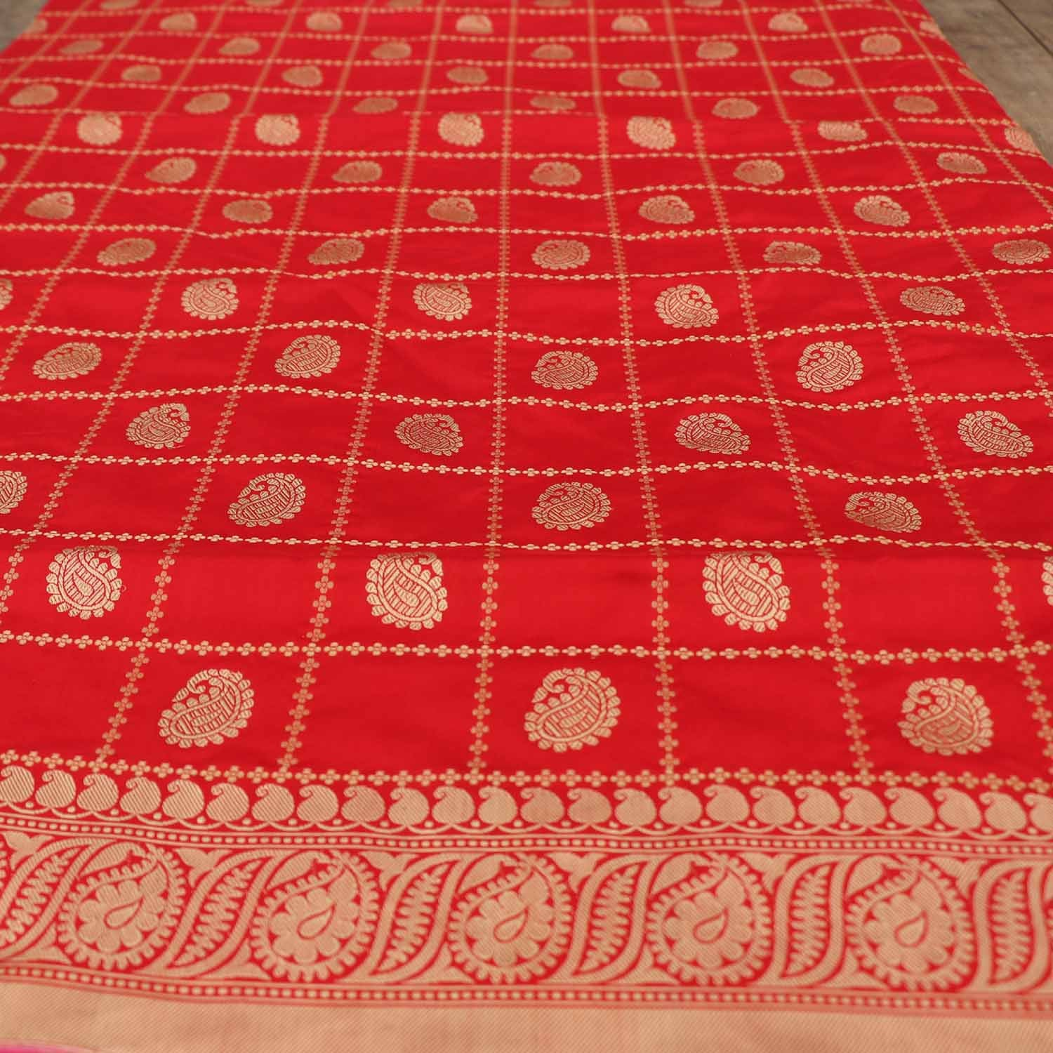 Red Pure Katan Silk Banarasi Handloom Saree - Tilfi