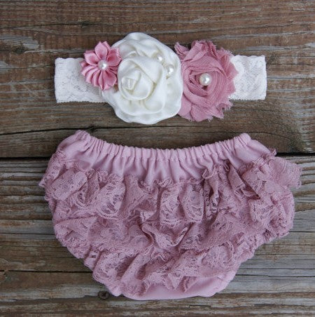 Baby Bloomer. Lace Baby Diaper Cover
