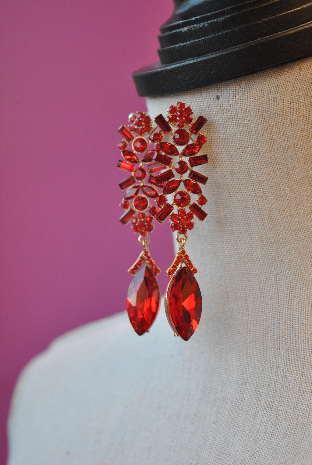 FASHION COLLECTION - RED CRYSTAL STATEMENT EARRINGS