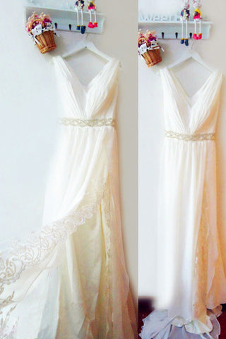 Flowing V-Neck Sleeveless A-Line Split Wedding Dresses With Lace Appliques
