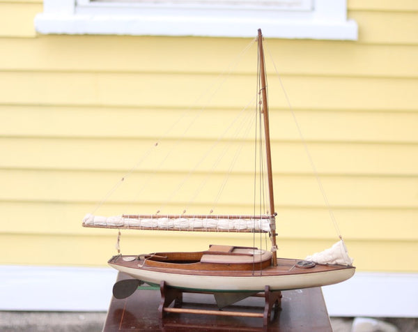 Antique Catboat Model