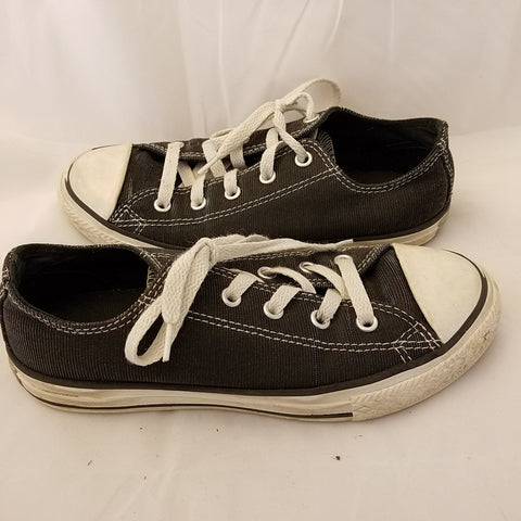 CONVERSE ALL STAR BLACK METALLIC LOOK SIZE 2 LOW TOP CHUCK TAYLORS YOUTH