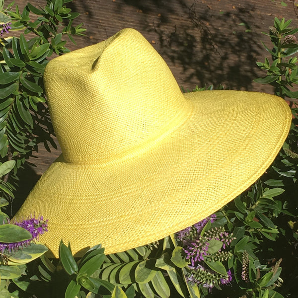 YELLOW PANAMA HAT
