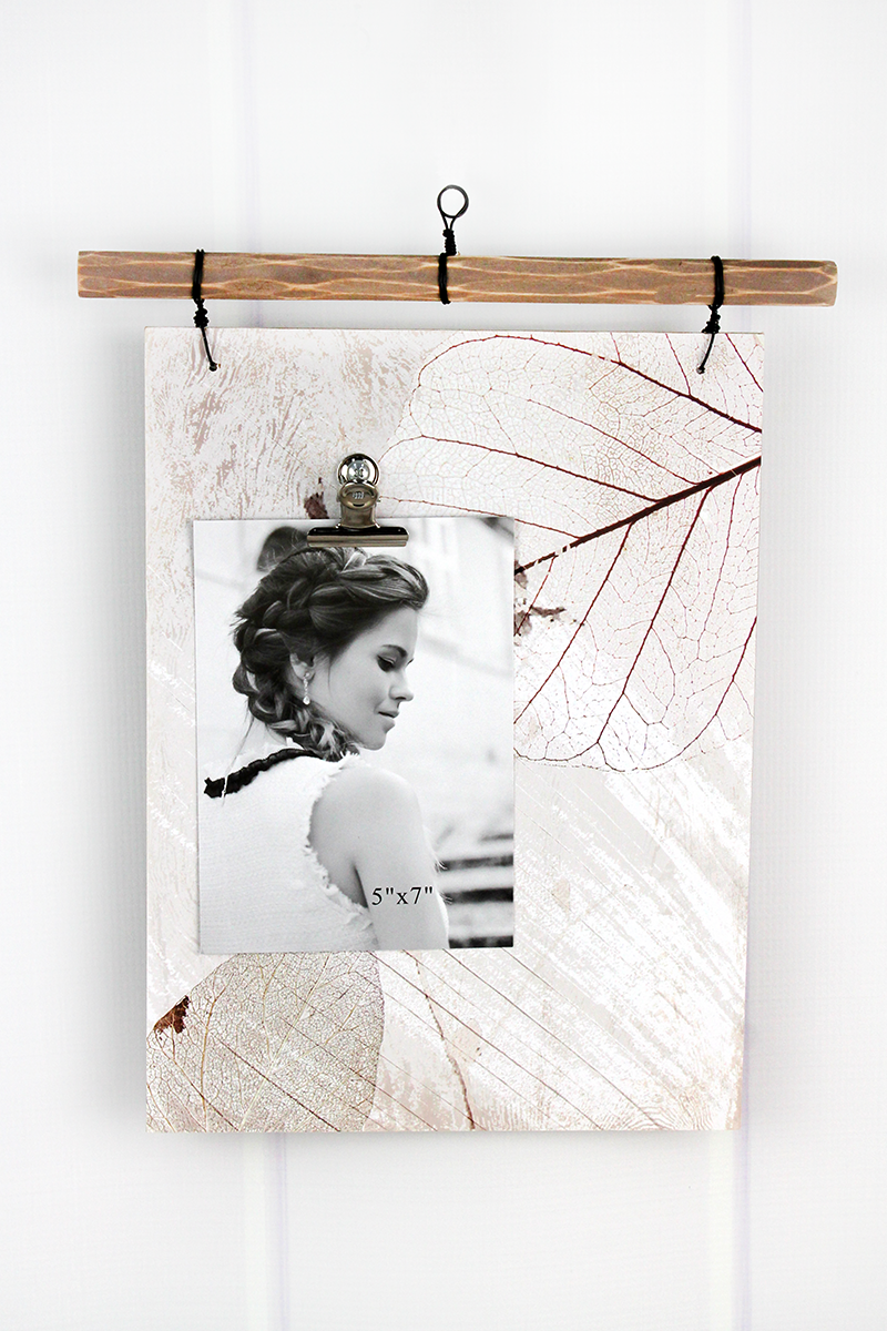14 x 11.5 Delicate Leaves Wood 5x7 Photo Wall Display