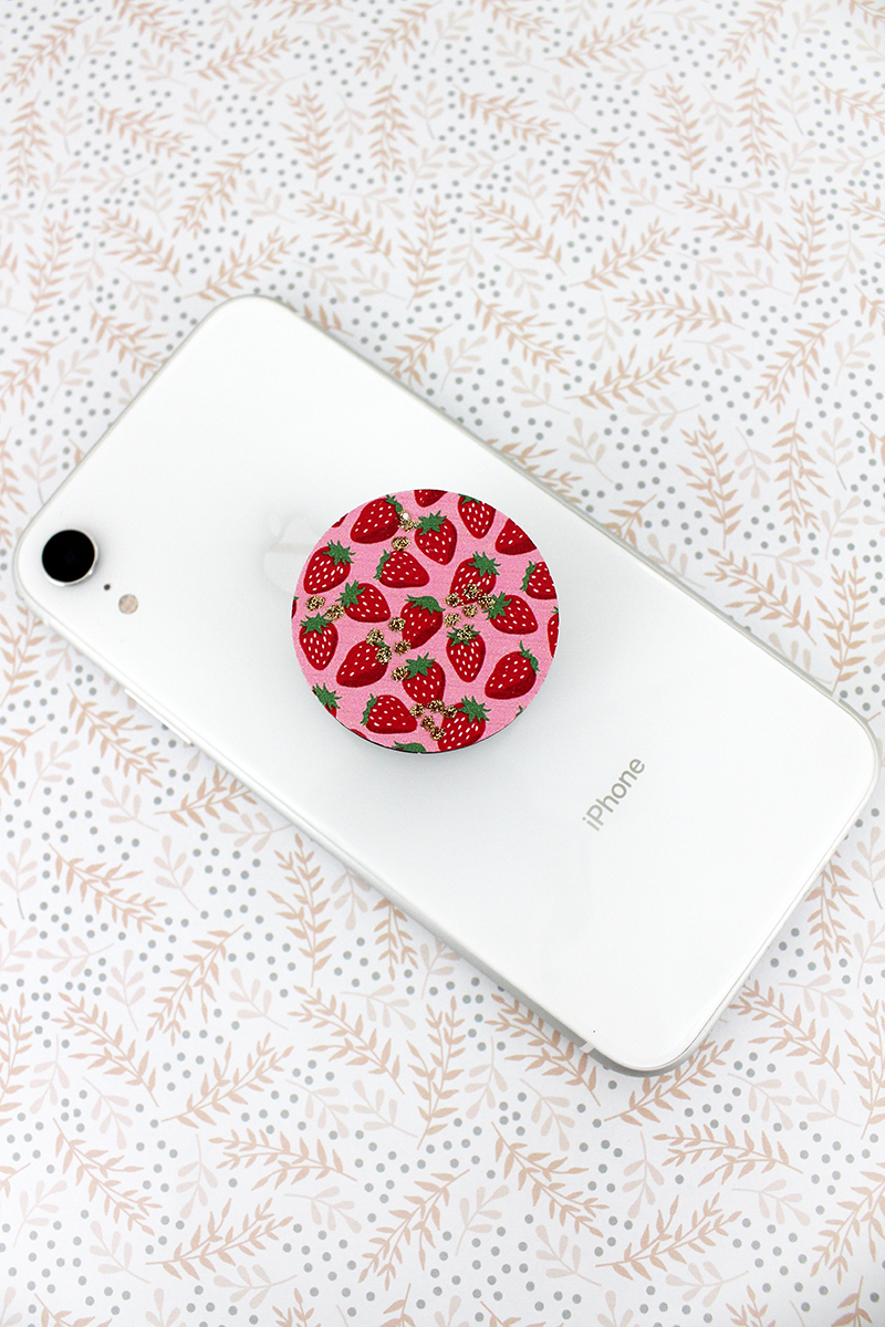 Glitter Strawberry Wood Disk Cell Phone Grip Cover