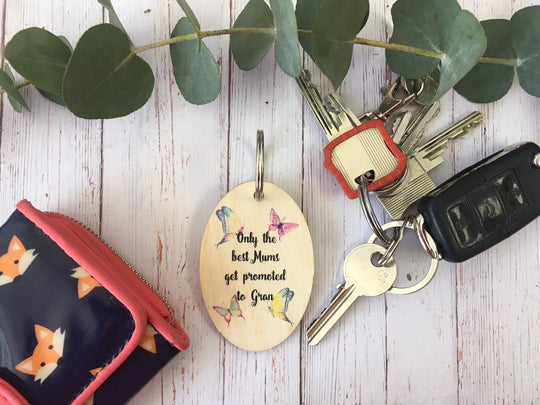 Wooden Keyring - Sisters Promoted To Aunties DD226