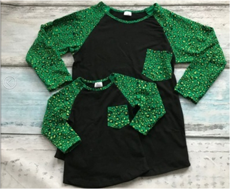 Resting Grinch Smile Raglan Top (Neutral)