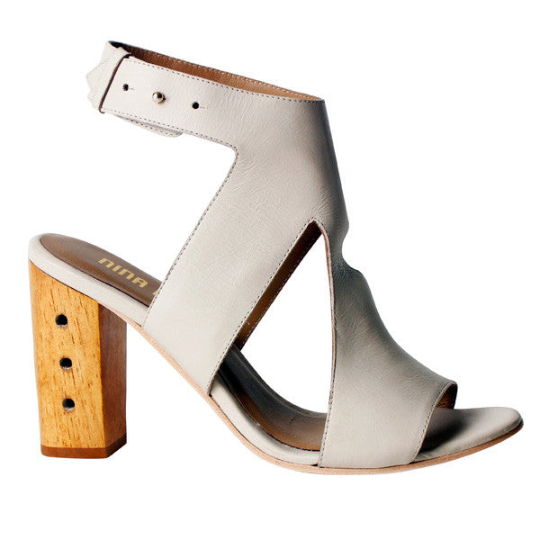 Izzy Three-Hole Punch Heel