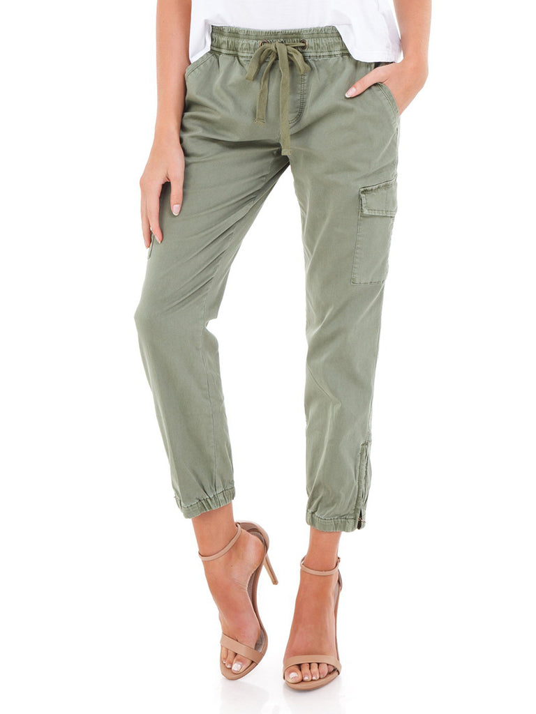 Women outfit in a pants rental from SANCTUARY called Combat Crop Pants