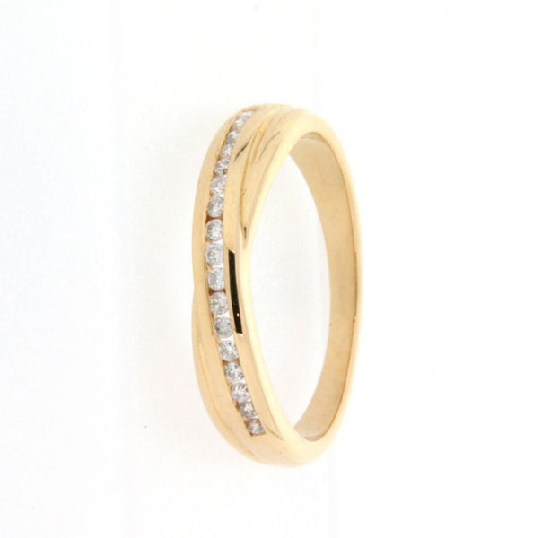 18ct Yellow Gold Diamond Set Crossover Ring
