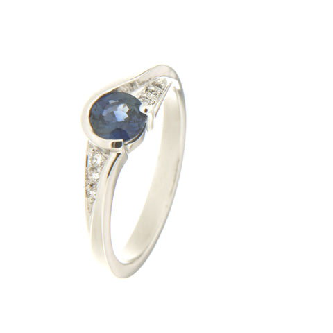 18ct White gold Australian blue sapphire & diamond ring