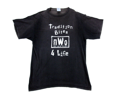 WCW NWO TRADITION BITES T-SHIRT LG