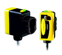 Banner QS30 Universal Voltage Photoelectric Sensor