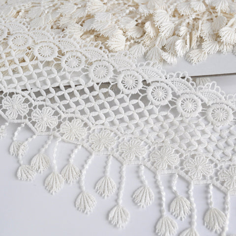 Tassel Detail Venise Lace Trim Cream 5-1/2 inch