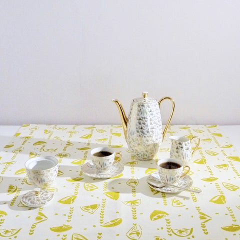 Chartreuse Lemons table topper