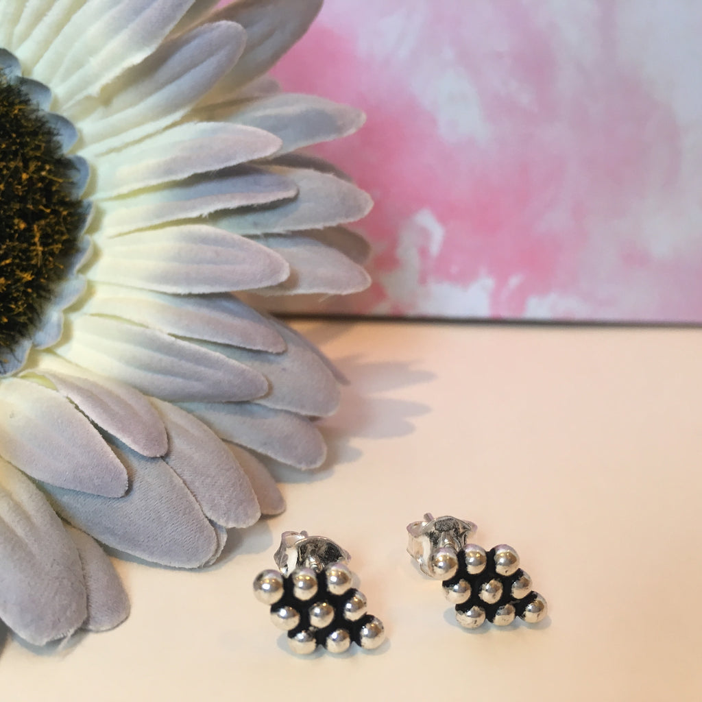 Dotty Diamond Studs - VE173
