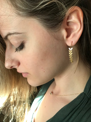 Sarah Briggs-Newport Malta Fishtail Wishbone Hoops-14k Gold