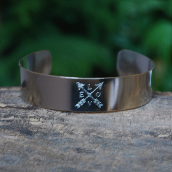 Crossed Arrows Love Cuff