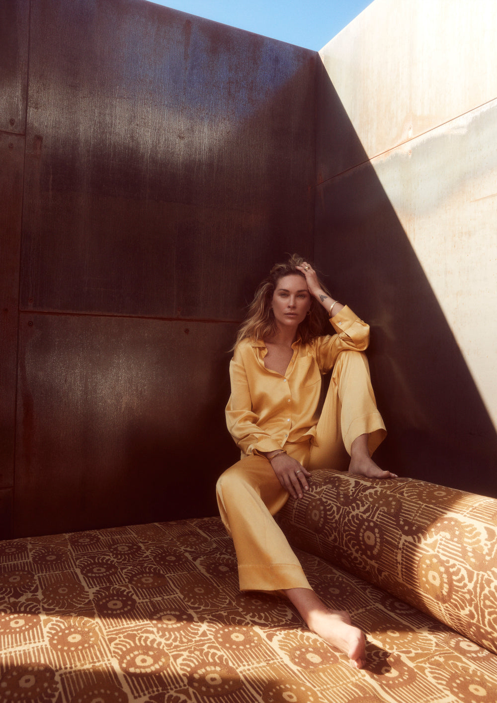 Discover the new collection from Asceno London, featuring Erin Wasson. The collection consists of perfectly proportioned luxury loungewear essentials - Asceno London