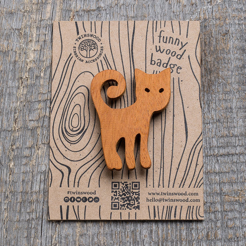 ginger cat wooden pin